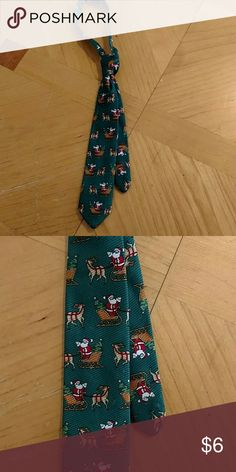Little boys velcro tie Little boys Velcro Christmas tie. Perfect for Christmas pictures. Excellent condition. Smoke free home. Accessories Ties