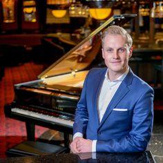 Jazzmusiker Philipp Schoof hat mit Viviendomusic seine eigene Musikagentur in Dresden eröffnet. Warum er die Stadt liebt, verrät er im Interview.