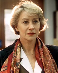 Dame helen mirren's character from prime suspect wouldn't be the only alpha female to switch in later life to a same-sex relationship Classic Actresses, Female Actresses, Actors & Actresses, Dame Helen, Tv Detectives, Intelligent Women, Helen Mirren, Por Tv, Meryl Streep