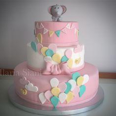 """Torta per battesimo bimba a tema elefantino  #instafood #ilas #ilassweetness #torta #tortaapiani #cake #battesimo #baptism #babyshower #elefantino #cakedesign #pastadizucchero #sugarpaste #itsagirl  Per info e richieste contattami qui  www.facebook.com/ilascake  e se ti va metti """"mi piace"""" alla mia pagina"""