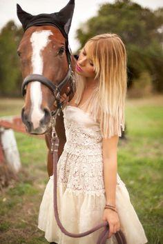 A ROMANTIC SHOOTING WITH TWO HORSES -Nicoletta Reggio Fotografa Novara