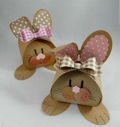 Heute hab ich eine Osterverpackung für euch, immerhin +++kleiner Countdown+++ Ostern ist schon in drei Wochen! Die Idee zu diesen Häschen hab ich letztes Jahr bei meiner treuen Leserin und fleißigen