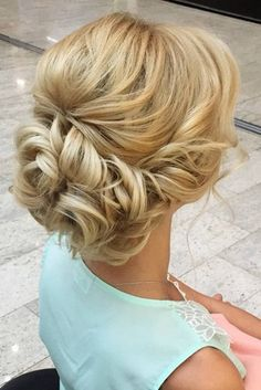 Prom hair updos stay trendy from year to year due to their gorgeous look and versatility. See our collection of chic and trendy prom hair updos. (Pastel Hair Curly)