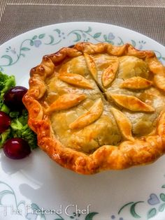 Golden delicious steak and kidney pie Welsh Recipes, Scottish Recipes, Pie Recipes, Whole Food Recipes, Cooking Recipes, English Recipes, Australian Recipes, Kidney Recipes, Recipies