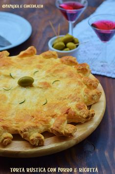 Torta rustica con porro e ricotta Cafe Food, Ricotta, Apple Pie, Buffet, Picnic, Desserts, Carne, Diet, Salads
