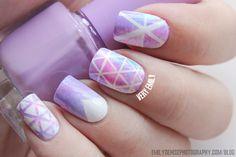Geometric pastel nails.