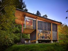 AN ECO-FRIENDLY COMPACT CABIN IN WASHINGTON by Les Eerkes of Olson Kundig Architects.