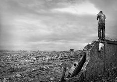 Trash Land of Maputo @mymodernmet - despair.