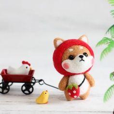 Too cute, wish I could buy one Cute Crafts, Felt Crafts, Diy And Crafts, Arts And Crafts, Needle Felted Animals, Felt Animals, Kawaii Crochet, Needle Felting Tutorials, Cute Polymer Clay