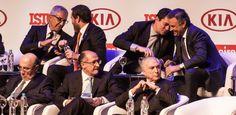 Em evento com Temer e outros políticos, Moro é ovacionado e faz selfie coletiva