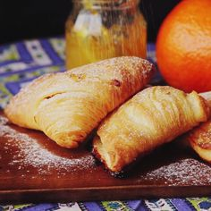 Recipe with video instructions: How to make Sfogliatella. Ingredients: 3 sheets puff pastry centimeters), 30 grams butter, softened at room temperature, 100 grams cream cheese,. Baking Recipes, Dessert Recipes, Gourmet Desserts, Picnic Recipes, Sweet Desserts, Cake Recipes, Breakfast And Brunch, Italian Breakfast, Breakfast Pastries
