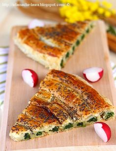 Spinach tart with ricotta cheese Spinach Tart, Great Recipes, Favorite Recipes, Cooking Recipes, Healthy Recipes, Exotic Food, Spinach Recipes, Seasonal Food, Vegetable Dishes