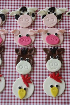 fondant farm animal cupcake toppers -- I like the idea made with clay Farm Animal Cupcakes, Farm Animal Party, Animal Cakes, Farm Party, Easter Cupcakes, Fondant Cupcake Toppers, Cupcake Cakes, Cake Decorating Tutorials, Cookie Decorating