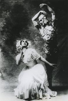 Vintage Photography: Vaslav Nijinski & Tamara Karsavina in Le Spectre de la Rose 1911