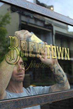 Gilding Brewtown Newtown Window | Danthonia Designs Blog