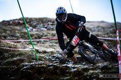 :::: Martin Maes en la EWS de Val-d'Isère. Foto by Mat Wragg Pinkbike. Freeride Mountain Bike, Mountain Biking, Mtb Clothing, Val D'isère, France, World Series, Racing, Mistakes, Stage