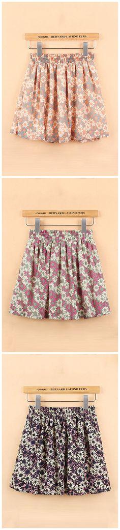 Daisy Print Pleated Mini Skirt