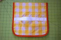 Tutorial: Sunburst Picnic Blanket – you and mie Picnic Mat, Picnic Blanket, Beach Towel Bag, Fat Quarter Quilt, Dresden Plate, Getting Organized, Quilt Patterns, Sewing Projects, Arts And Crafts