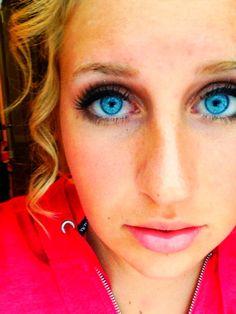 Pretty eye make up for blue eyes