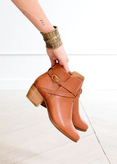 Collection Automne Hiver // Bottines Montana camel - www.sezane.com #sezane #bottines #boots #montana