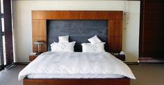 Uma capa para edredom é fácil de se fazer e irá proteger seu edredom da poeira e resíduos. Faça duas ou três e mude a aparência de seu quarto a qualquer momento que quiser.