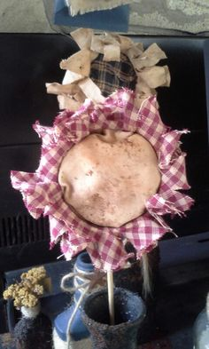 Prim flowers with canning lids Canning Jar Lids, Mason Jar Lids, Mason Jar Crafts, Burlap Flowers, Fabric Flowers, Paper Flowers, Flower Girl Wagon, Primitive Crafts, Primitive Fall