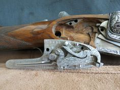 Cajeado y llave de escopeta Victor Sarasqueta. Notice only the wood absolutely needed for the locks have been removed from the head of the stock.