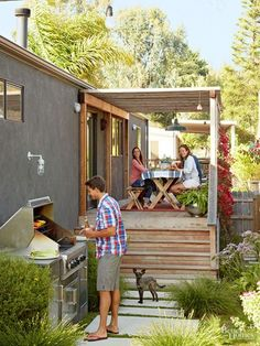 Short on Space but Big on Style: A Classy Update for a Mobile Home (Image credit: BHG) We write a lot about tiny houses here on Apartment Therapy, and every time we do, commenters are quick to point out that tiny houses (most of which are built on tr Tiny House Mobile, Mobile Home Porch, Mobile Home Exteriors, Mobile Home Renovations, Mobile Home Makeovers, Mobile Home Living, Remodeling Mobile Homes, Home Remodeling, Bathroom Remodeling