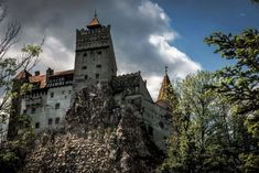 Visiting Bran Castle Transylvania will change what you think you know about the legend of Dracula. Transylvania is a must on any Romanian itinerary. Carpathian Mountains, Dracula, Tower Bridge, Barcelona Cathedral, Mystery, Explore, World, Nature, Travel