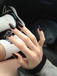 dark maroon nails