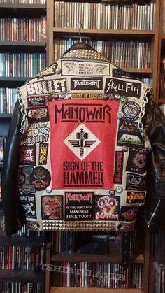 My battle jacket Last mofifications from Heavy Metal Fashion, Heavy Metal Rock, Heavy Metal Music, Black Metal, Combat Jacket, Battle Jacket, Punk Jackets, Estilo Rock, Evolution Of Fashion