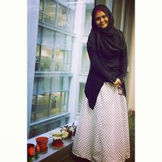 #tailormade #musthave #muslimah #love #happy #hootd #auratfirstbeforefashion #supportlocal #maxiskirt #vintageskirt #polkadot #cool #cotton #supportlocal #madeinsingapore