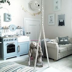Yes, she has a swing in her room... Press for all details most of the stuff are from my favourite kids store @farmhouseshop.se ❤️ #bettiesroom #skonahem#nordicdesign #nordicinterior #scandinavianinterior #scandinavian #scandinaviandesign #interiordesign #interior123 #interior4all #homestyling #homestaging #mainstreet #homestylinginspo #homestyle #homestyling #mainstreetstockholm #hemmahos #interior123 #finabarnrum #kidsinspo #kidsroom #kids #childrensroom