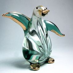 Emerald green PENGUIN hand blown ART GLASS figurine Penguin World, Penguin Art, Penguin Love, Penguin Tattoo, Blue Footed Booby, Flightless Bird, Glass Figurines, Glass Animals, Glass Birds