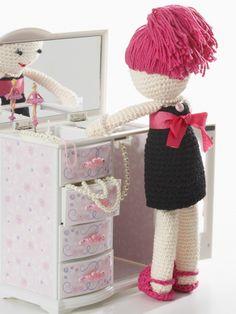 Date Night Lily | Yarn | Free Knitting Patterns | Crochet Patterns | Yarnspirations