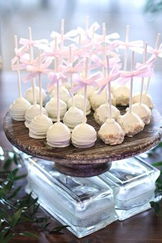 Chocolate Almond Cake Pops | Bella Christie and Lil Z's Sweet Boutique https://www.theknot.com/marketplace/bella-christie-and-lil-zs-sweet-boutique-pittsburgh-pa-661543 | Araujo Photography https://www.theknot.com/marketplace/araujo-photography-pittsburgh-pa-181858