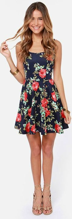The Home Before Daylight Navy Floral Print Dress is the perfect party companion! Knit tank straps support a stunning bodice with a sexy square neckline and scoop back. Casual Dresses, Short Dresses, Casual Outfits, Fashion Outfits, Summer Dresses, Floral Print Dresses, Floral Prints, Floral Patterns, Sexy Dresses