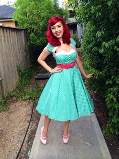 Retro Fashion me pretty girl fashion style vintage outfit red hair rockabilly pinup Rockabilly Style, Rockabilly Hair, Rockabilly Fashion, 1950s Fashion, Vintage Fashion, Pin Up Outfits, Pin Up Dresses, Fashion Dresses, Cute Outfits