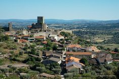 The Historical Villages of Centro de Portugal are enchanting mountain villages whose histories stretch back to the beginnings of Portugal as a nation. Lion Of Judah, Mountain Village, Knights Templar, Wild Nature, Pilgrimage, Science And Nature, Portugal, Dolores Park, Spanish