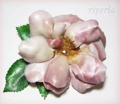"""Еще одна брошь """"Чайная роза"""" и немного цветов в технике Sospeso Trasparente"""