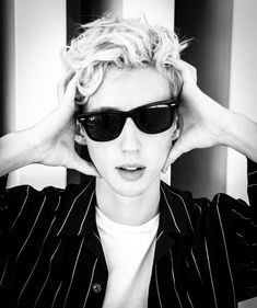Troye Sivan Songs, Tyler Oakley, Almost Famous, Young Fashion, Becca, Pretty Face, Singer, Sunglasses, Celebrities