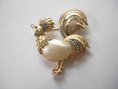 Vintage 1950's Trifari Rhinestone Gold Tone Jeweled Rooster Pin