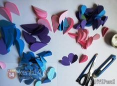How to Make Easy Paper Heart Flower Wall Art Weekend Projects, Projects To Try, Cuadros Diy, Heart Template, Giant Paper Flowers, Paper Hearts, Flower Wall, Heart Flower, Diy Birthday