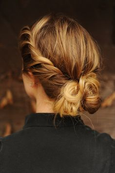 Simple #Hair How-To ~ Start with two sections and twist, adding pieces in as you go along the side~Repeat on the opposite side~When you reach the bottom, twist the two sides together, wrap into a low bun and pin.