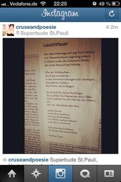 u.a. mein Gedicht auf Tapete in den Zimmern der Superbude St. Pauli in Hamburg!