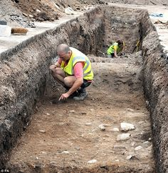 Findings: This image shows the dig in progress during the excavation of the car park behind council offices in Leicester