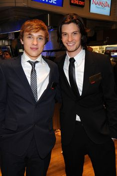 William Moseley & Ben Barnes.