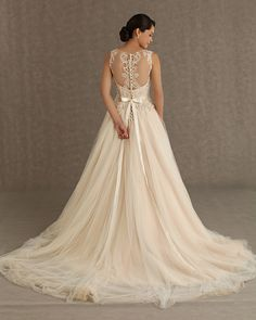 Gorgeous Veluz Reyes Wedding Dresses. To see more: http://www.modwedding.com/2014/01/09/gorgeous-veluz-reyes-wedding-dresses/ #wedding #weddings #fashion