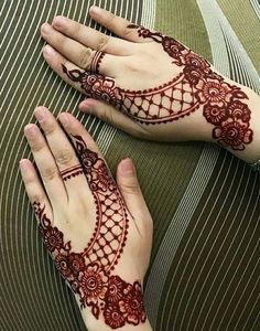 Here you can find winter mehndi designs that look elegant and lovely Mehndi Designs Finger, Indian Mehndi Designs, Mehndi Designs 2018, Mehndi Designs For Beginners, Mehndi Designs For Girls, Mehndi Designs Book, Unique Mehndi Designs, Mehndi Designs For Fingers, Beautiful Henna Designs
