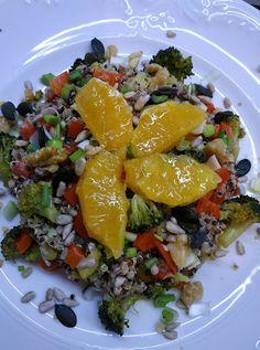 Σαλάτα με κινόα !!! ~ ΜΑΓΕΙΡΙΚΗ ΚΑΙ ΣΥΝΤΑΓΕΣ 2 Vegan Vegetarian, Vegetarian Recipes, Salads, Pork, Ethnic Recipes, Sweet, Kale Stir Fry, Candy, Pork Chops
